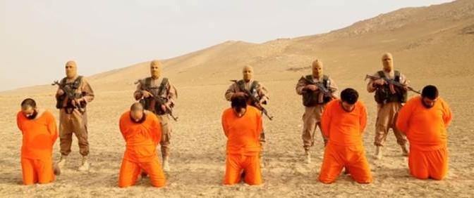 ISIS giustizia 5 prigionieri nel deserto siriano – VIDEO