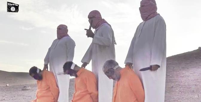 "ISIS DECAPITA 3 PRIGIONIERI: ""SONO APOSTATI""  – VIDEO CHOC"