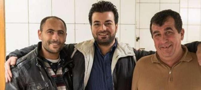 I profughi che offrono le cene ai turisti a spese dei contribuenti