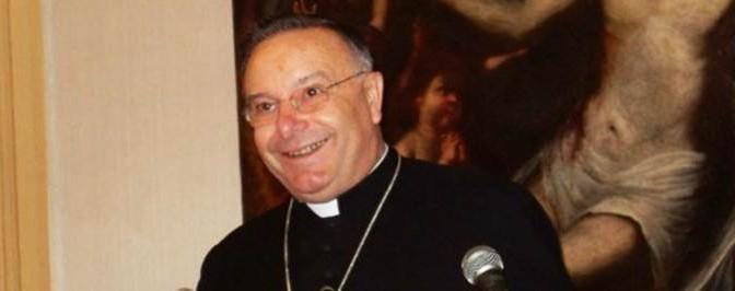 Cardinale invia 10 donne ad occuparsi dei profughi africani