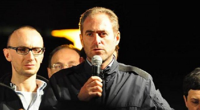 """Consigliere M5S contro profughi schizzinosi: """"Diamogli maiale e basta"""""""