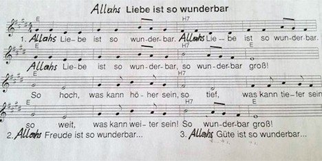 Nella canzone per bambini Dio diventa Allah