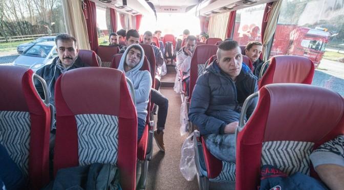 Guardie armate sui bus 'grazie' alla presenza di 'nomadi'