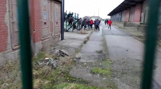 Anche tre italiane tra delinquenti di Calais: Francia vuole rimandarcele…