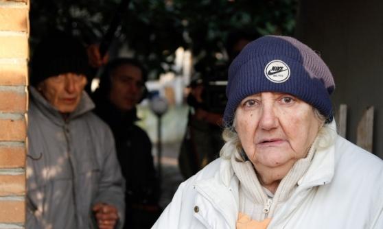 Banca vuole sfrattare anziani e i loro animali che curano con amore