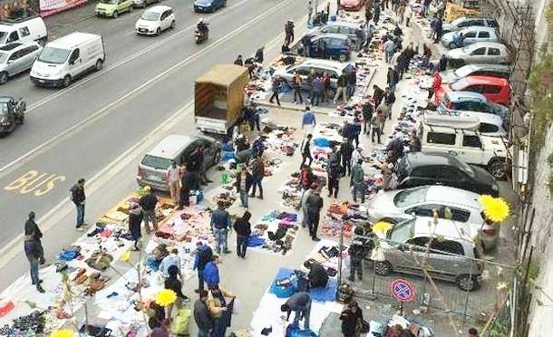 Genova: mercato del rubato a pochi minuti dal Comune