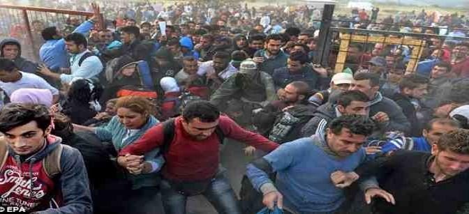 """Clandestini protestano: """"Lasciateci entrare"""" – VIDEO"""