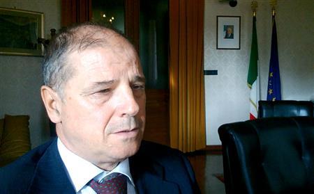 Prefetto Udine va a pranzo con i profughi (pakistani!), a spese nostre?