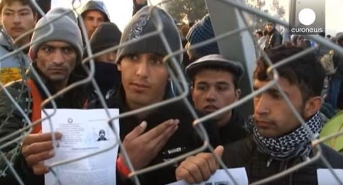 Austria invia 100 doganieri al Brennero: l'ordine è rispedire profughi in Italia