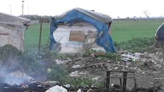 In fiamme il 'ghetto' dei Bulgari