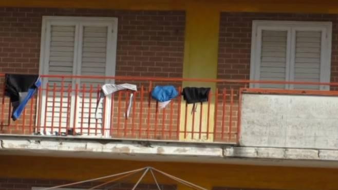 Gli hotel sono abusivi, ma i profughi sono ancora lì