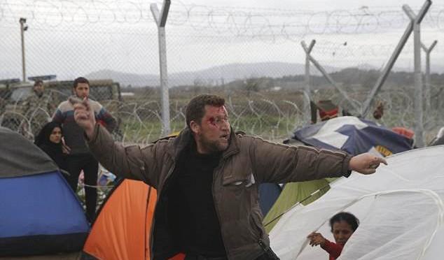 """UE: """"Stati Ue prendano immigrati in Grecia"""""""
