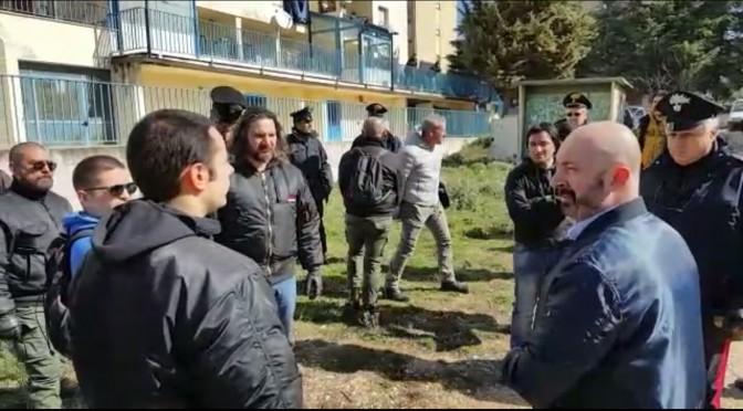 Cercano di recuperare casa da Rom che la occupano: Carabinieri lo impediscono