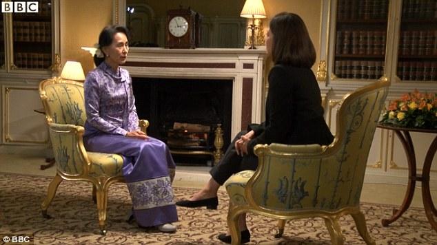 """Aung San Suu Kyi: """"Non mi faccio intervistare da islamici"""""""
