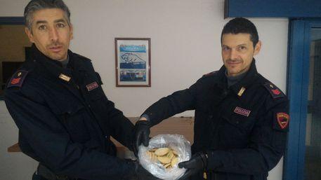 Finiscono in ospedale per avere ingerito biscotti alla Marijuana