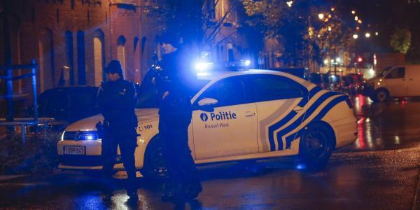 Bruxelles: retata in quartiere islamico, esplosione 6 arresti