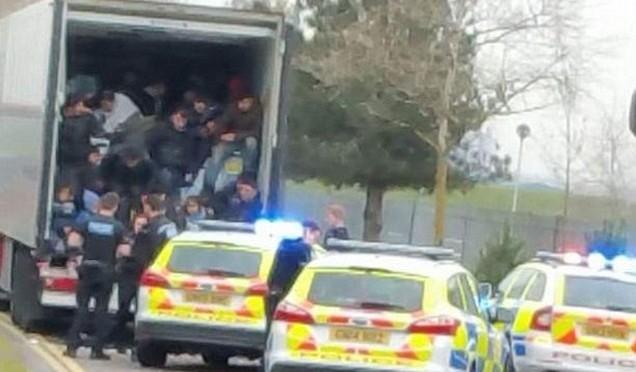 Bruxelles: arrivano i rinforzi islamici – VIDEO – FOTO