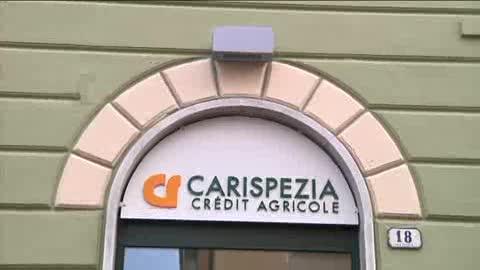 Carispezia: la banca che regala 100mila euro agli immigrati