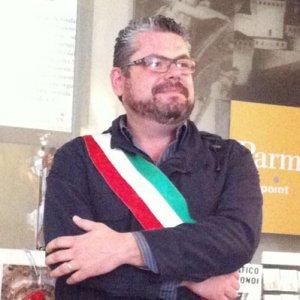 Spaccio coca, segnalato ex sindaco: spaccio direttamente in Comune