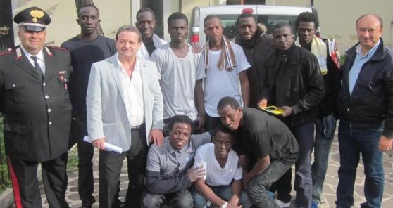Il paese dove il sindaco assume profughi al posto di Italiani