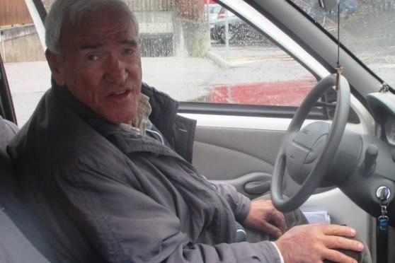 Anziano vive in auto, si chiama Mario ed è invalido