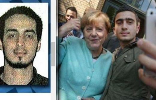 """Trump: """"Germania distrutta da ingenuità Merkel"""""""