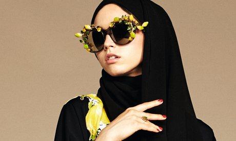 """Bergé (Yves Saint Laurent) contro Dolce e Gabbana: """"Scandalizzato da loro abiti islamici"""""""