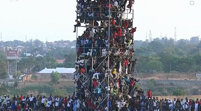 Nigeria: partita arbitrata da arbitro morto