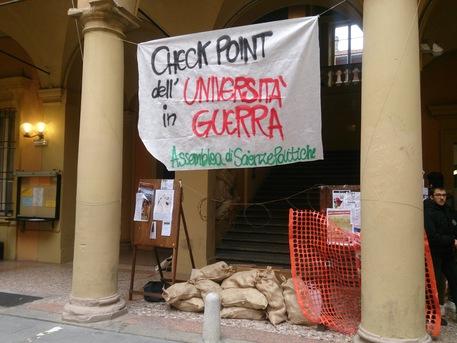 Liberare l'università di Bologna dalle zecche dei centri sociali