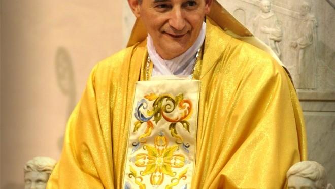 Questo Vescovo sta svendendo Bologna agli Islamici, va fermato