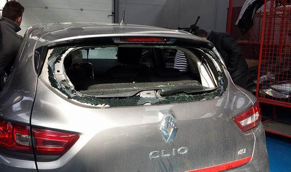 PROFUGO DISTRUGGE 8 AUTO IN SOSTA, LO TURBAVANO