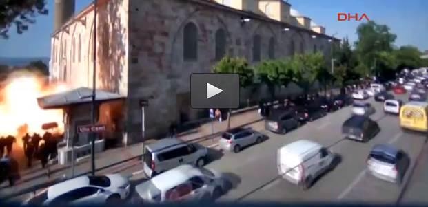 Islamica ripresa mentre si fa esplodere – VIDEO