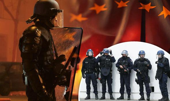 Ue vuole farsi un esercito per imporci sbarchi e direttive: con la scusa della Libia