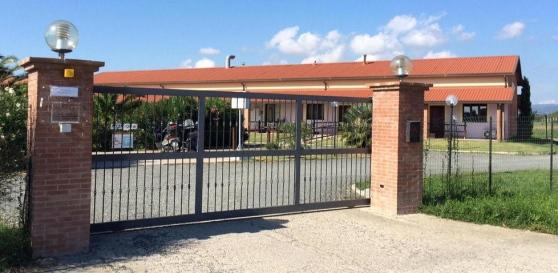 Hotel nuovo di zecca per ospitare finti profughi a Cecina