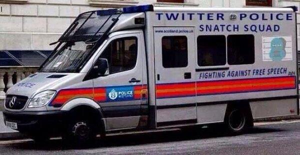 """Polizia GB minaccia utenti Twitter: """"Attenti a quello che scrivete"""""""