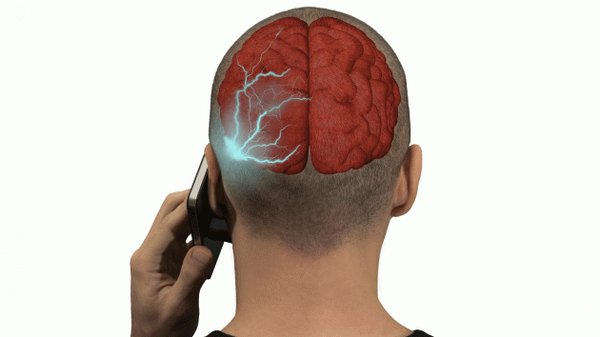STUDIO: USO CELLULARE PUO' PROVOCARE IL CANCRO