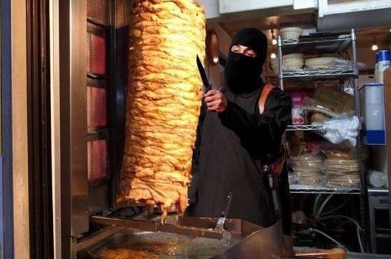 Kebab invasi dai parassiti, la scoperta choc a Roma