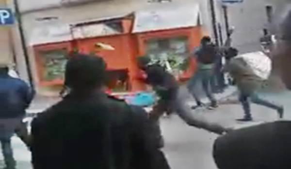 """FOGGIA: ABUSIVI ATTACCANO AGENTI AL GRIDO """"ALLAH AKBAR"""" – VIDEO"""
