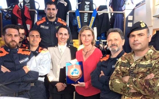 Premiati dalla UE per avere scaricato 623 clandestini in Italia