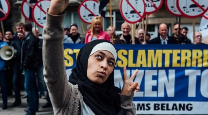 """Imam denuncia donna che l'ha toccato: """"Discriminazione religiosa"""""""