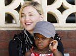 """Nonna naturale bambina 'adottata' da Madonna: """"Fammi vedere la mia nipotina"""""""