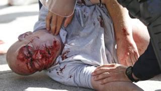 Magrebini e Africani massacrano tifoso inglese: per giornali italiani erano stati i Russi – Video