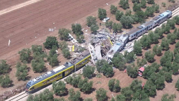 DISASTRO TRENI: 27 I MORTI