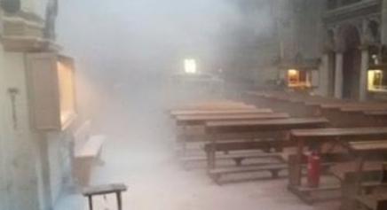 Cuneo: Marocchino di 14 anni incendia chiesa – FOTO