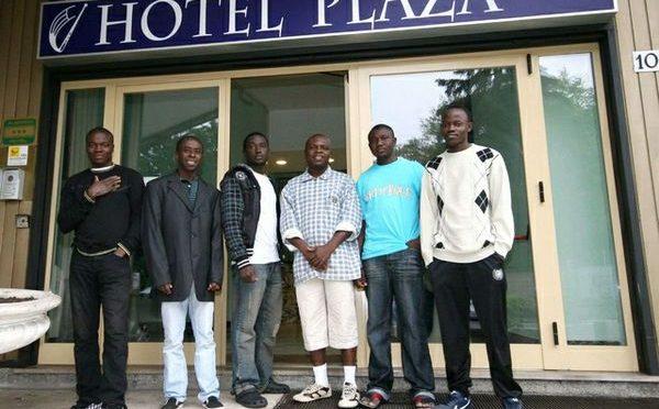 Nuovo bando: 41 mila euro per ogni profugo in hotel