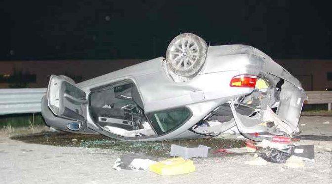 Ladro albanese si schianta su auto rubata: morto – FOTO