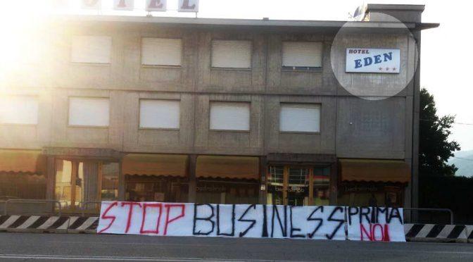Patriota a processo per striscione contro hotel dei profughi