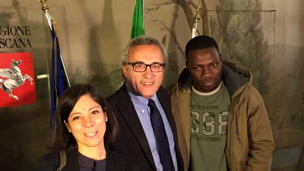 Hanno 3 bambini, ora adottano un profugo: ex detenuto vivrà con loro