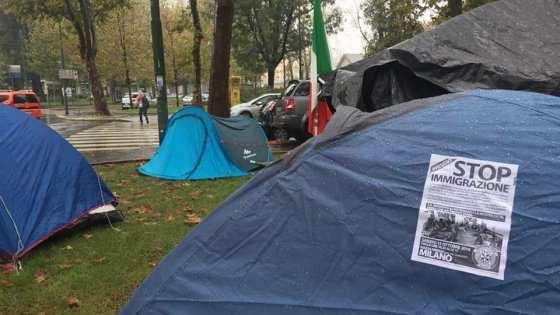 MILANO: NASCE 'TENDOPOLI' PER ITALIANI DAVANTI CENTRO PROFUGHI