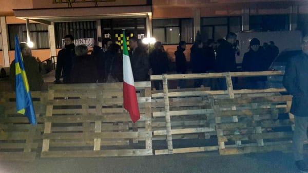 VERONA: BARRICATE DAVANTI HOTEL CONTRO ARRIVO PROFUGHI